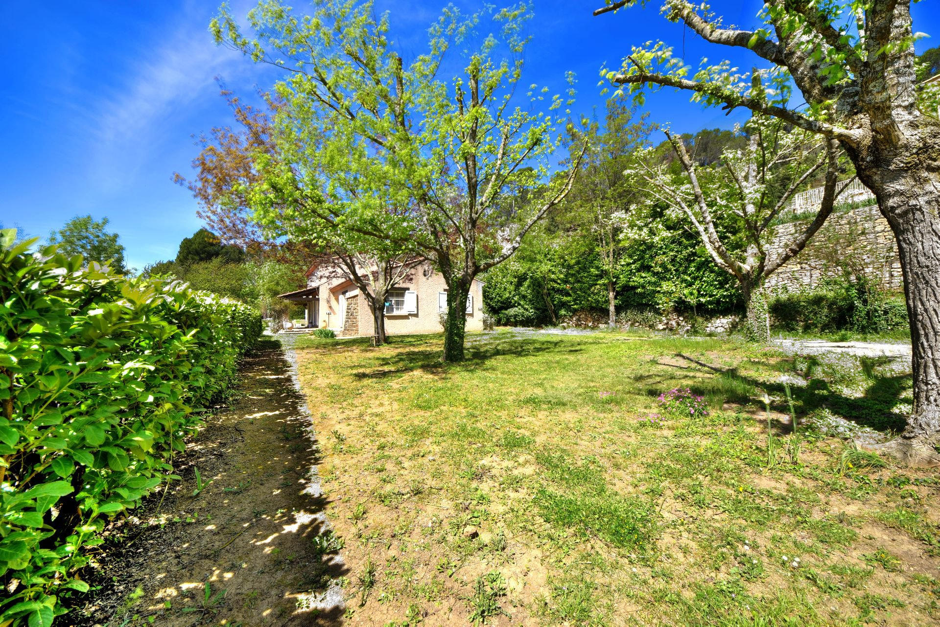 Beautiful wooded grounds of 4854m², Salernes, Var Verdon