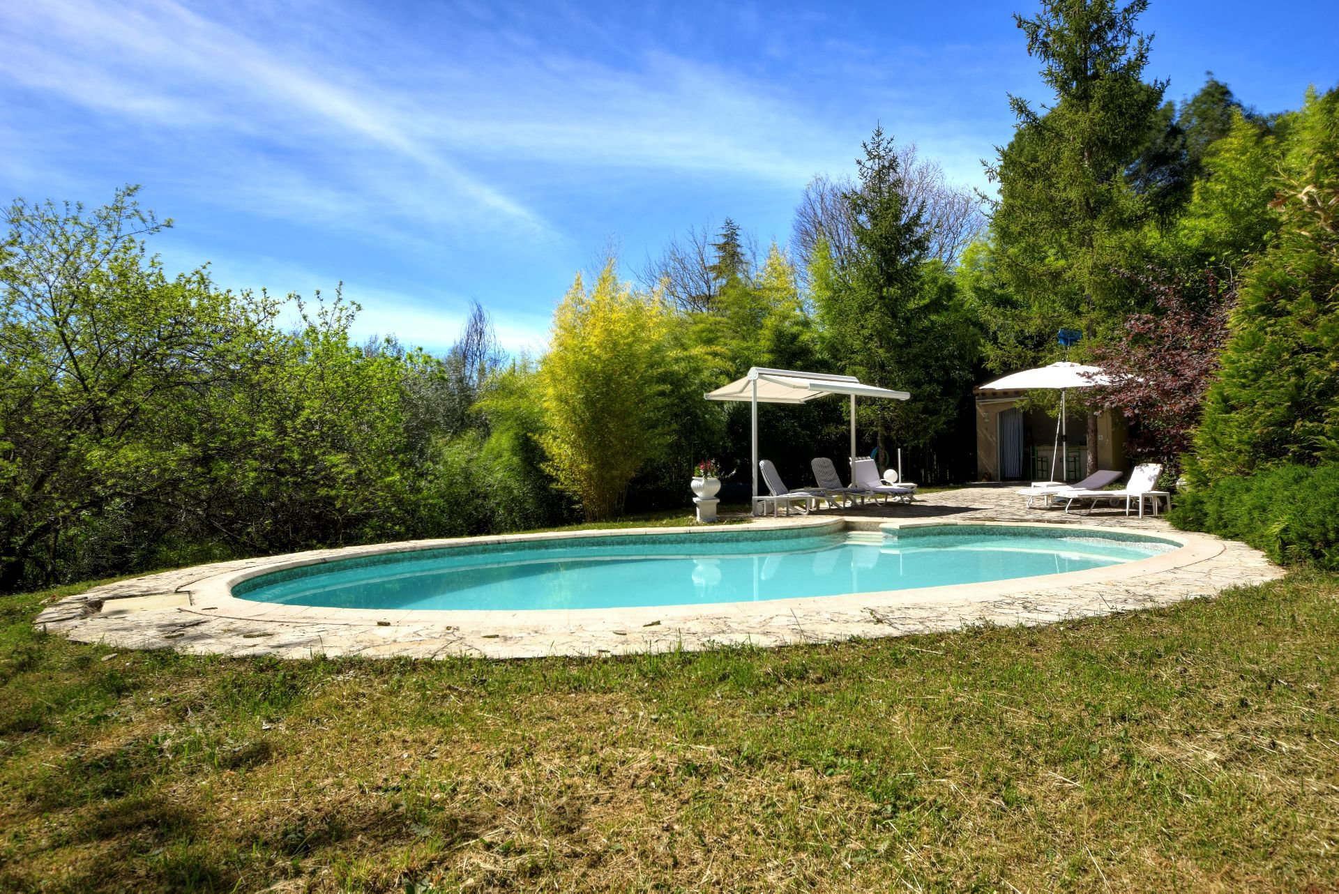 Pool in a private setting, Salernes, Var Verdon