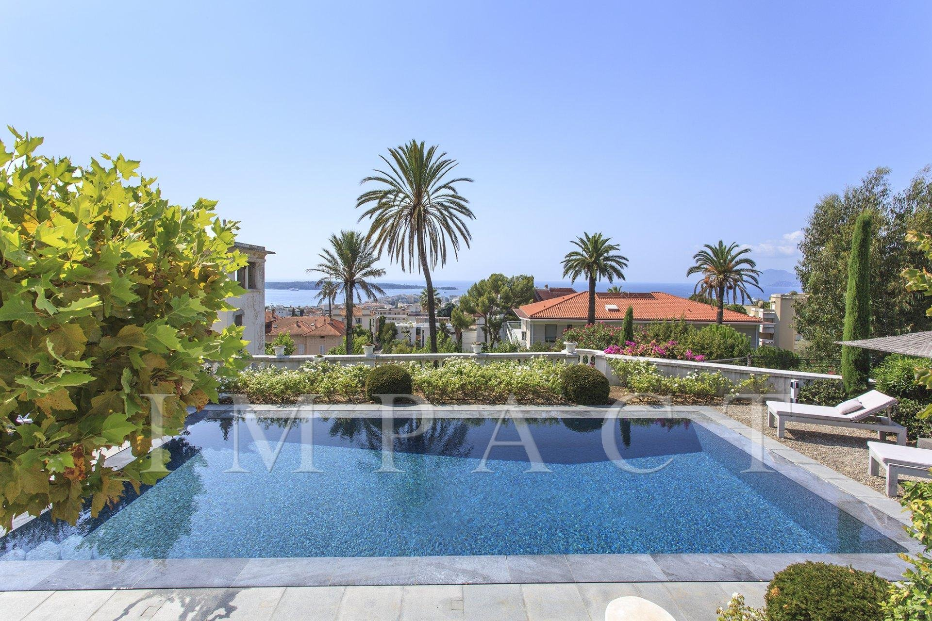 Sea view villa to rent Cannes