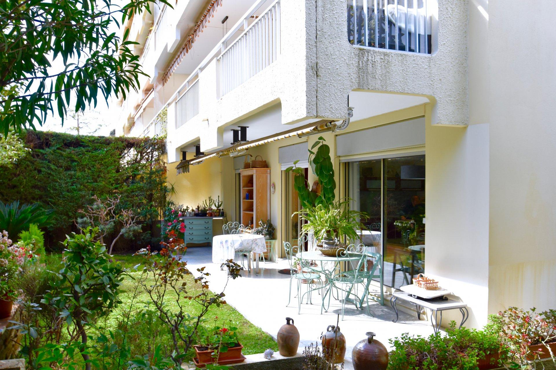 Nice cimiez appartement villa 3 pi ces jardin for Jardin villa ratti nice