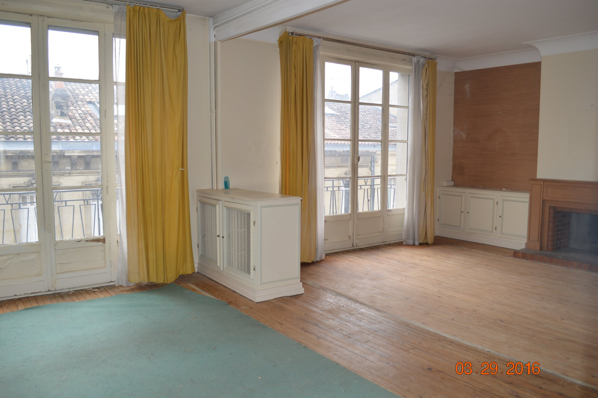 SOLD BY THE AGENCY APARTMENT  TO RENOVATE BORDEAUX