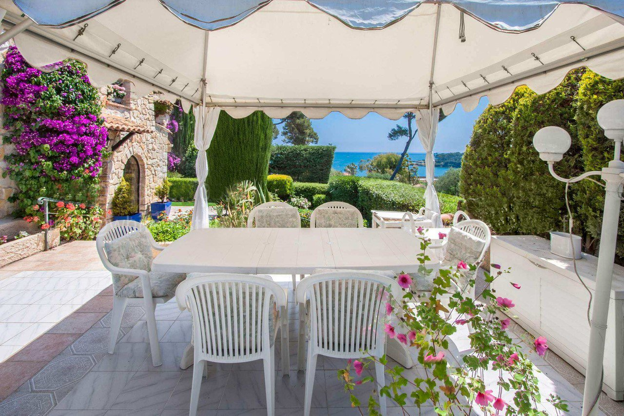 Beautiful Provencal villa close to the beach