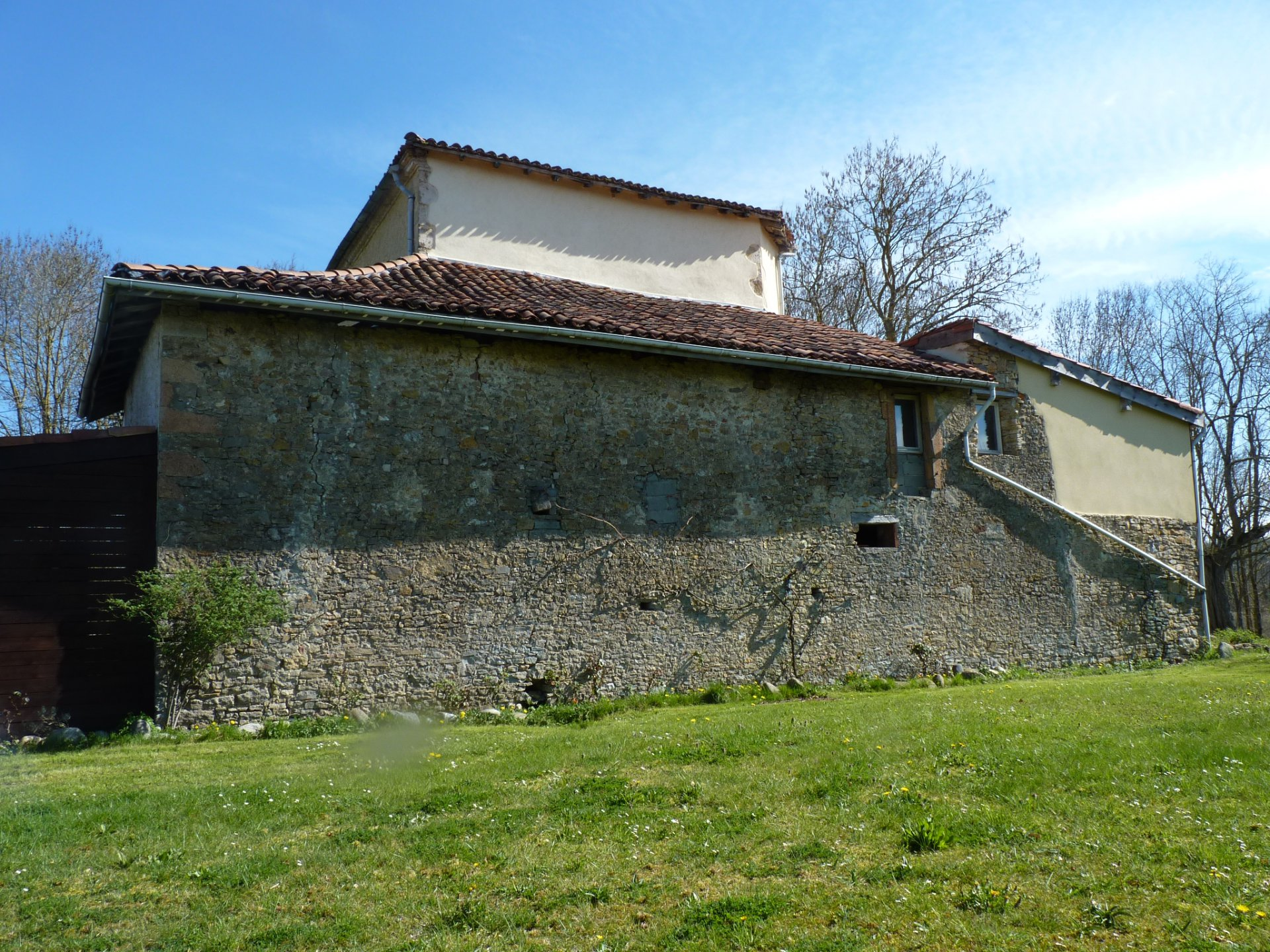 Character house of 200 m² on 6371 m² near St MARCET