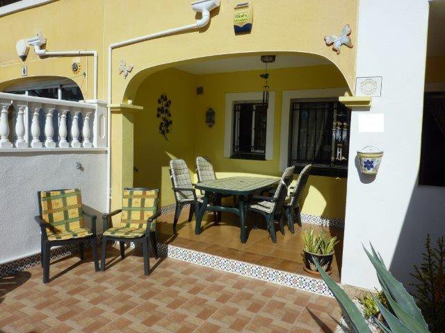 Torrevieja appartement 2ch meuble equipe piscine