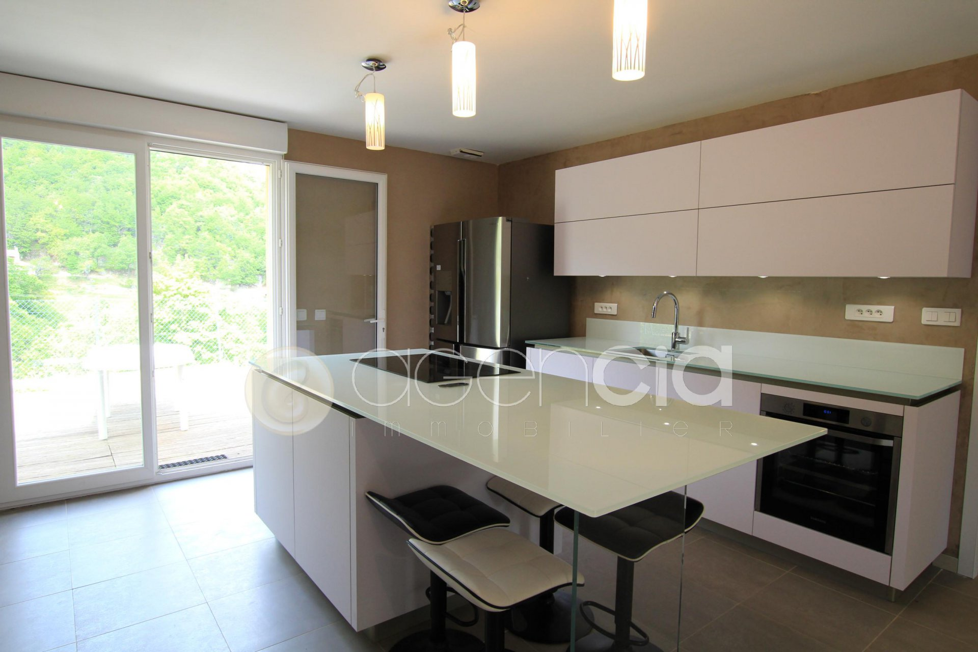 Kitchen bar, stainless steel, kitchen island