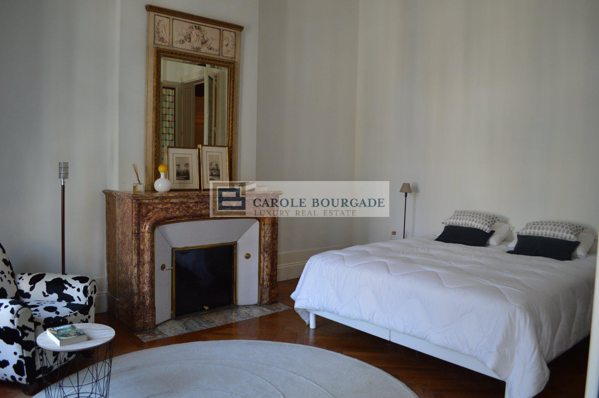 MAGNIFICENT FURNISHED PROPERTY TO RENT WITH GARDEN AND POOL IN BORDEAUX