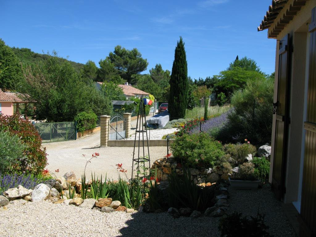 Nice house of 91.08m² on a land of 1488 m² (pool allowed)