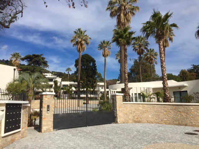 CANNES - French Riviera - Luxury 3 bed Apartment with sea view and private swimming pool