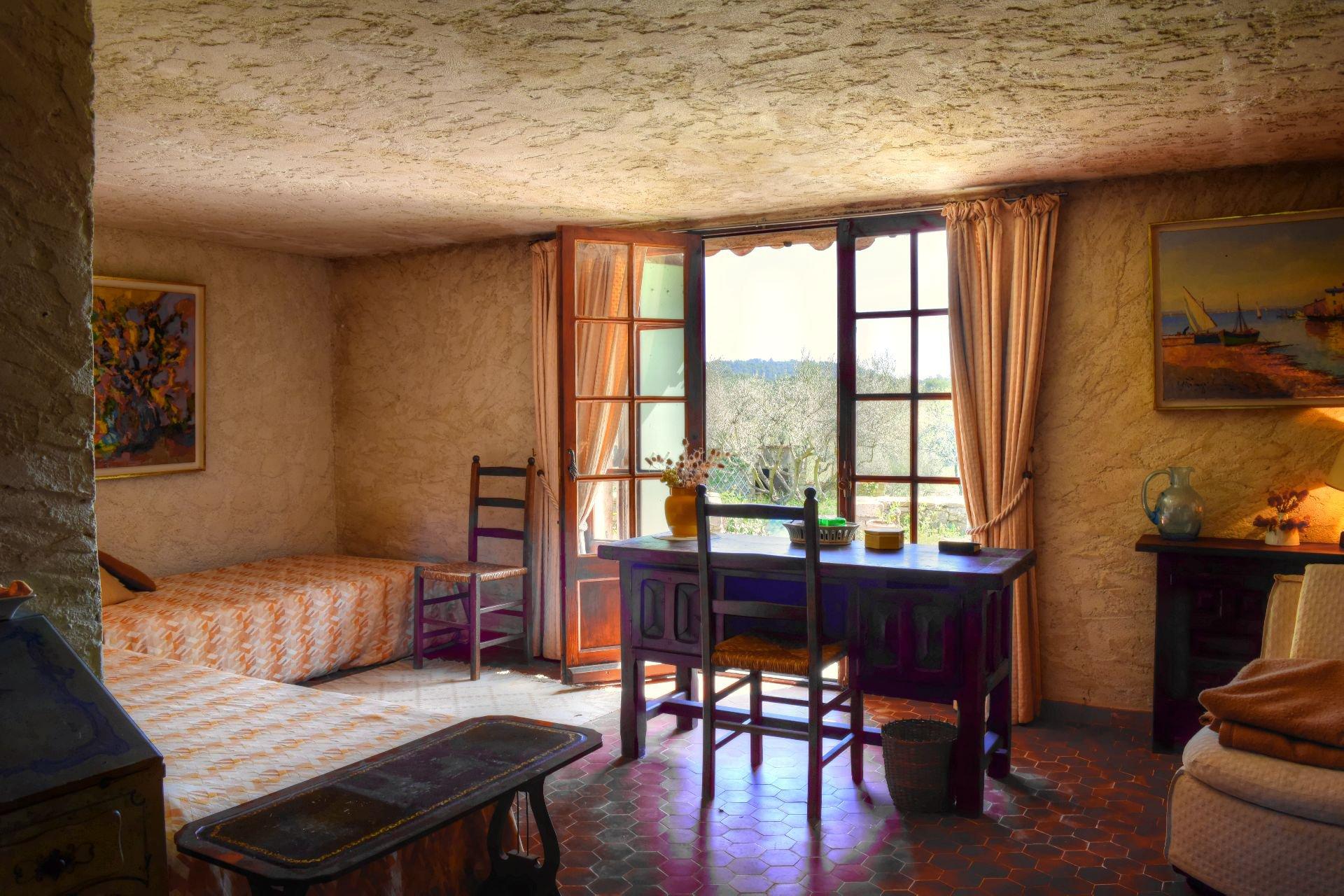 Superbe mas en pierres au milieu d'une oliveraie de 9Ha - Un coin de paradis - Salernes Var Provence chambre en suite avec salle de douche