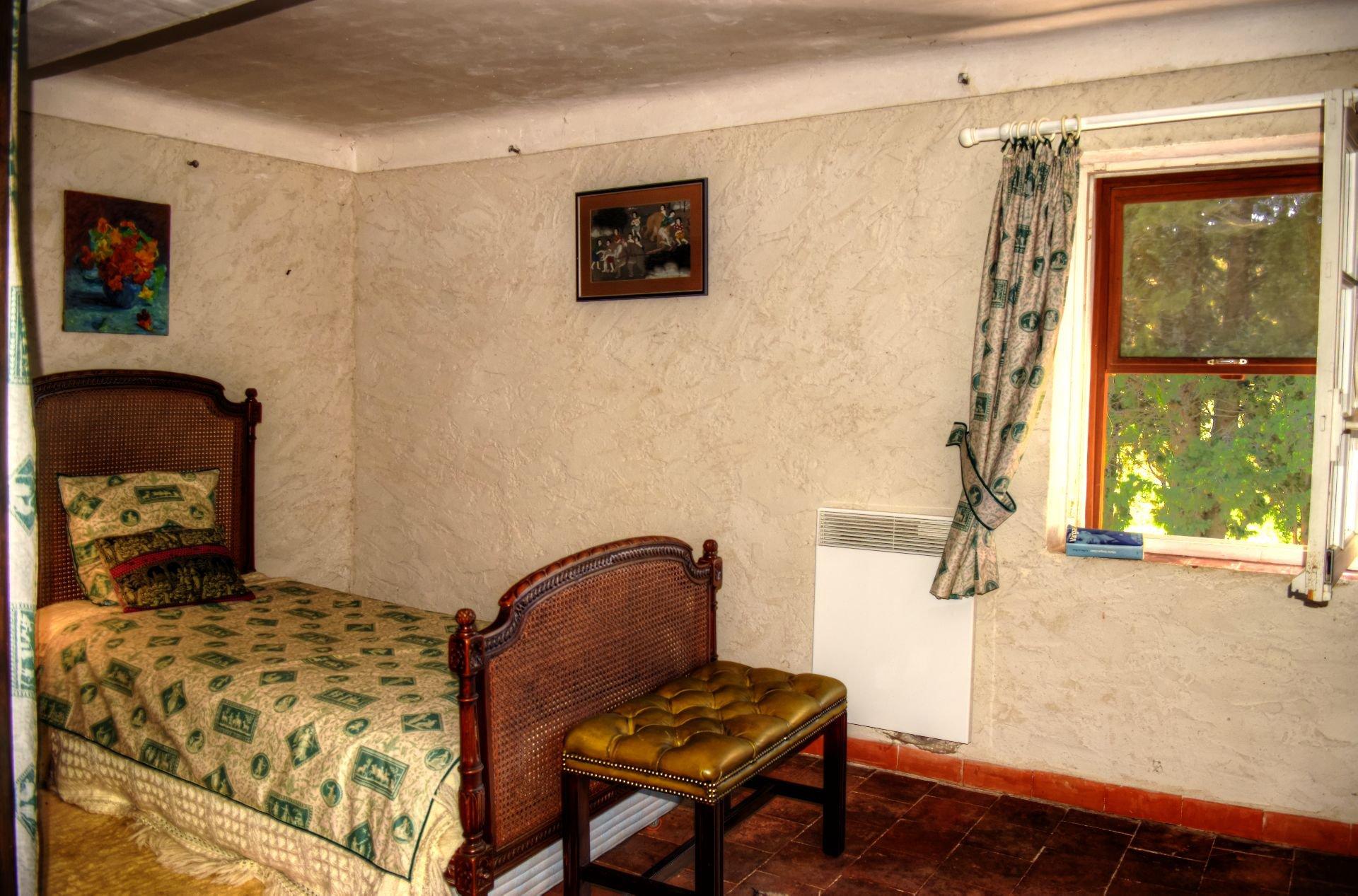 Superbe mas en pierres au milieu d'une oliveraie de 9Ha - Un coin de paradis - Salernes Var Provence chambre