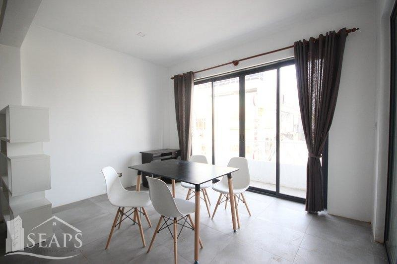 2 BEDROOMS APARTMENT FOR RENT LOCATED NEAR OLD MARKET