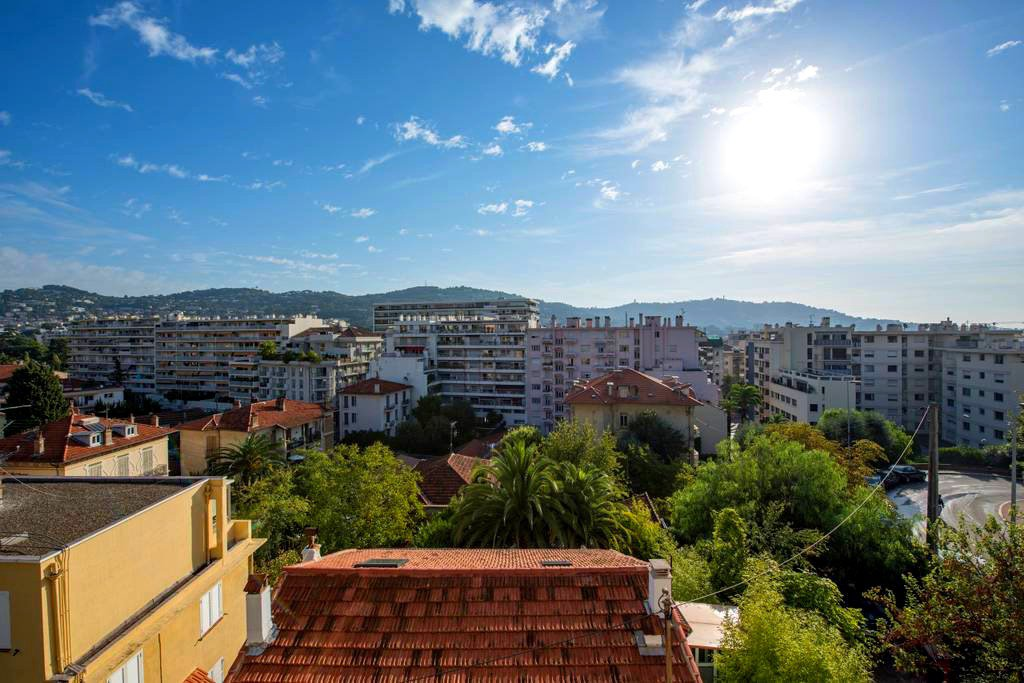 Cannes Petit Juas:Charming 2 bedrooms apartment in a bourgeois style building closed to the Croisette