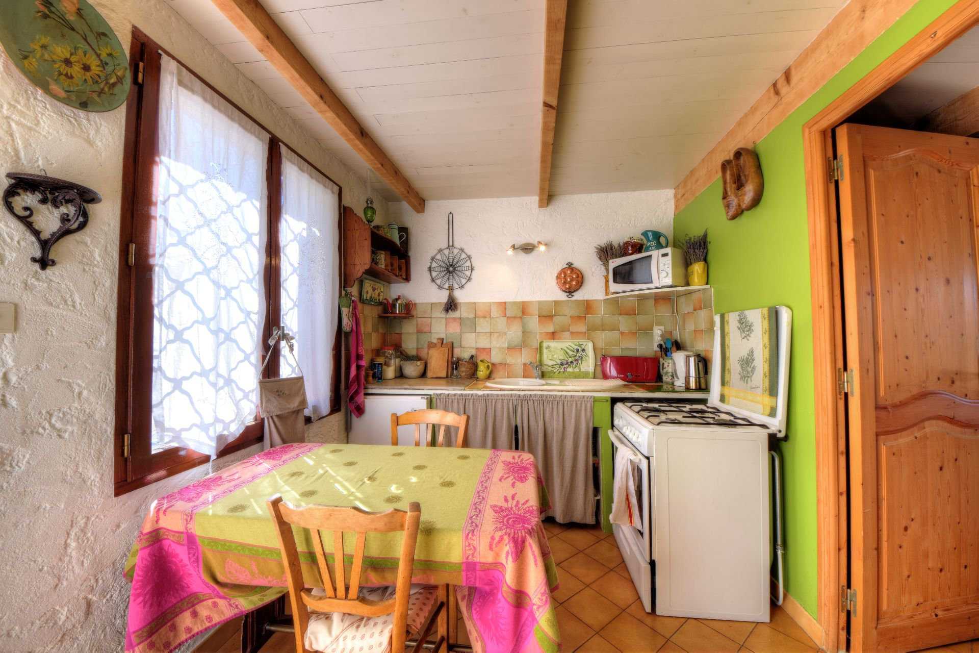 Kitchen of the house 50 m² Aiguines, Var, Provence