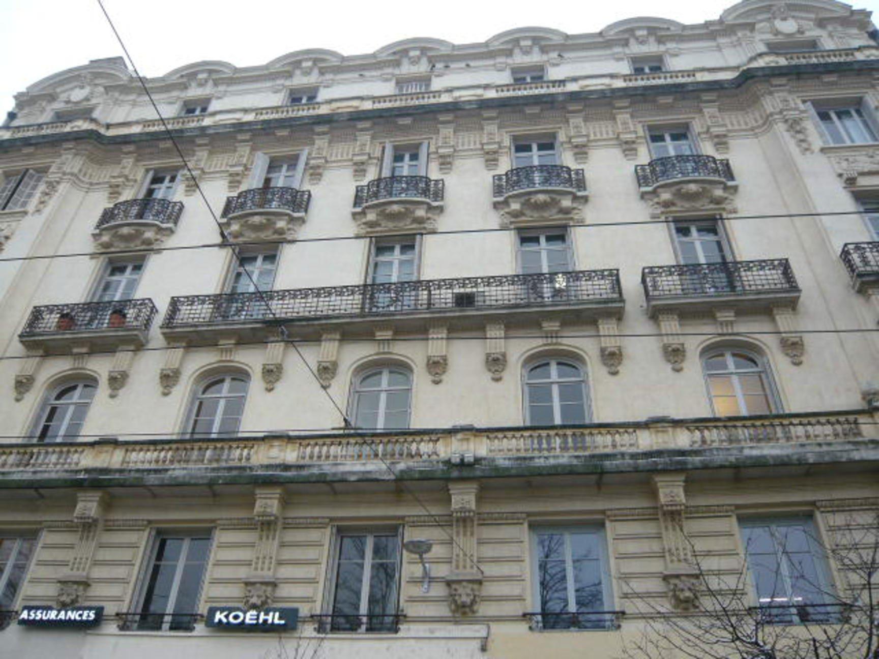 Appartemen 330 m² Place Hôtel de ville avec parkings