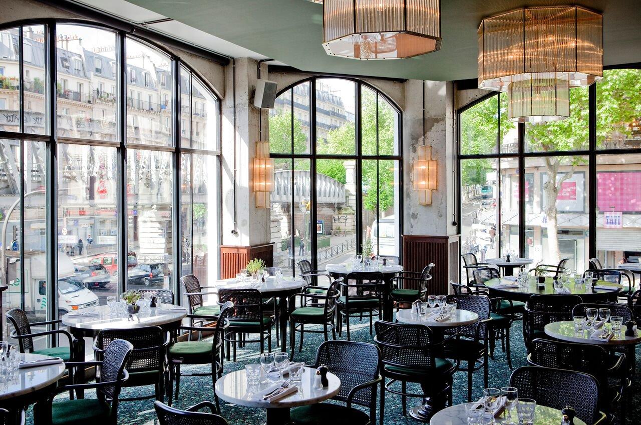 Restaurant .