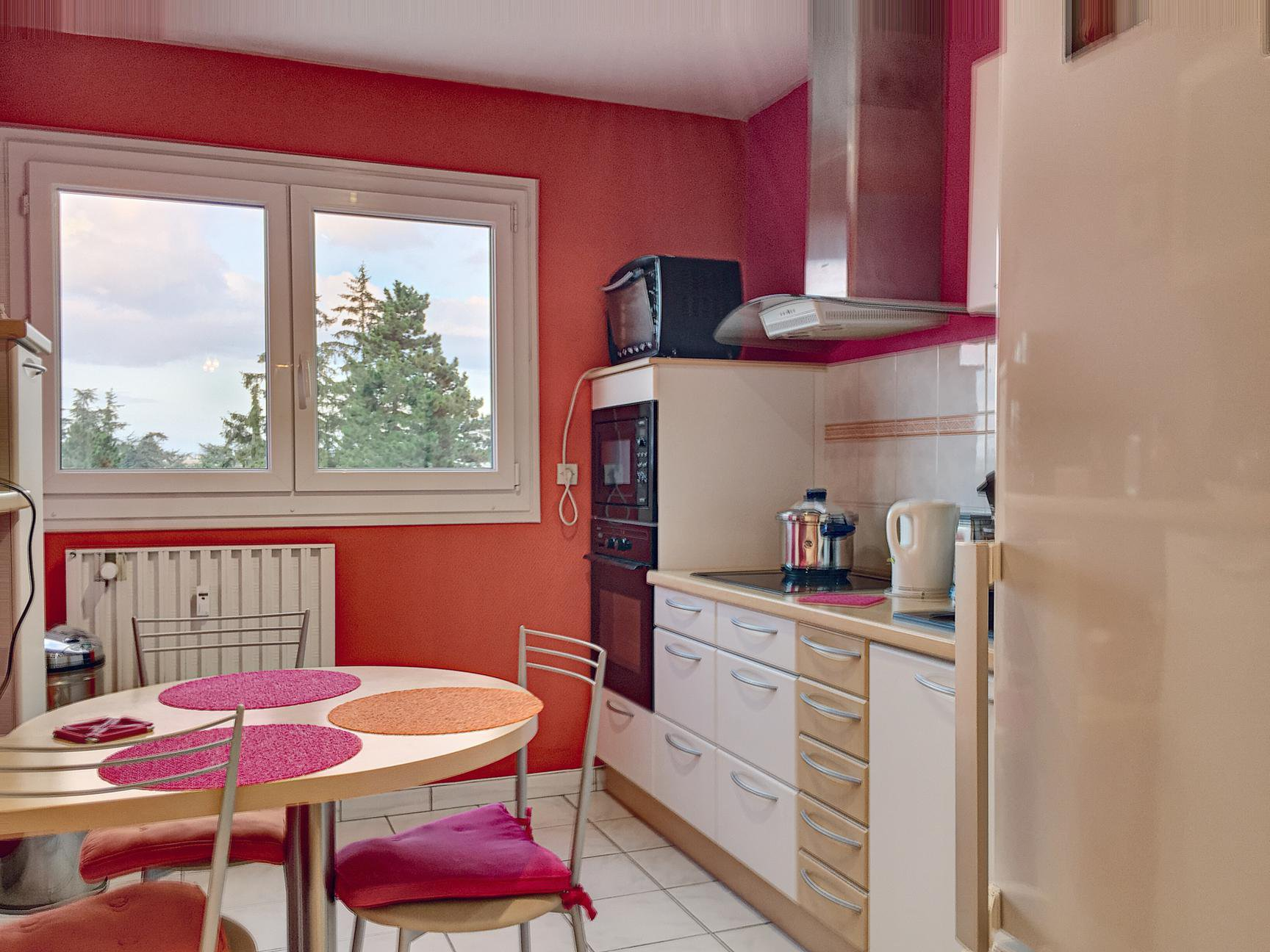 PORTAIL ROUGE  appartement type F5 98m² + GARAGE