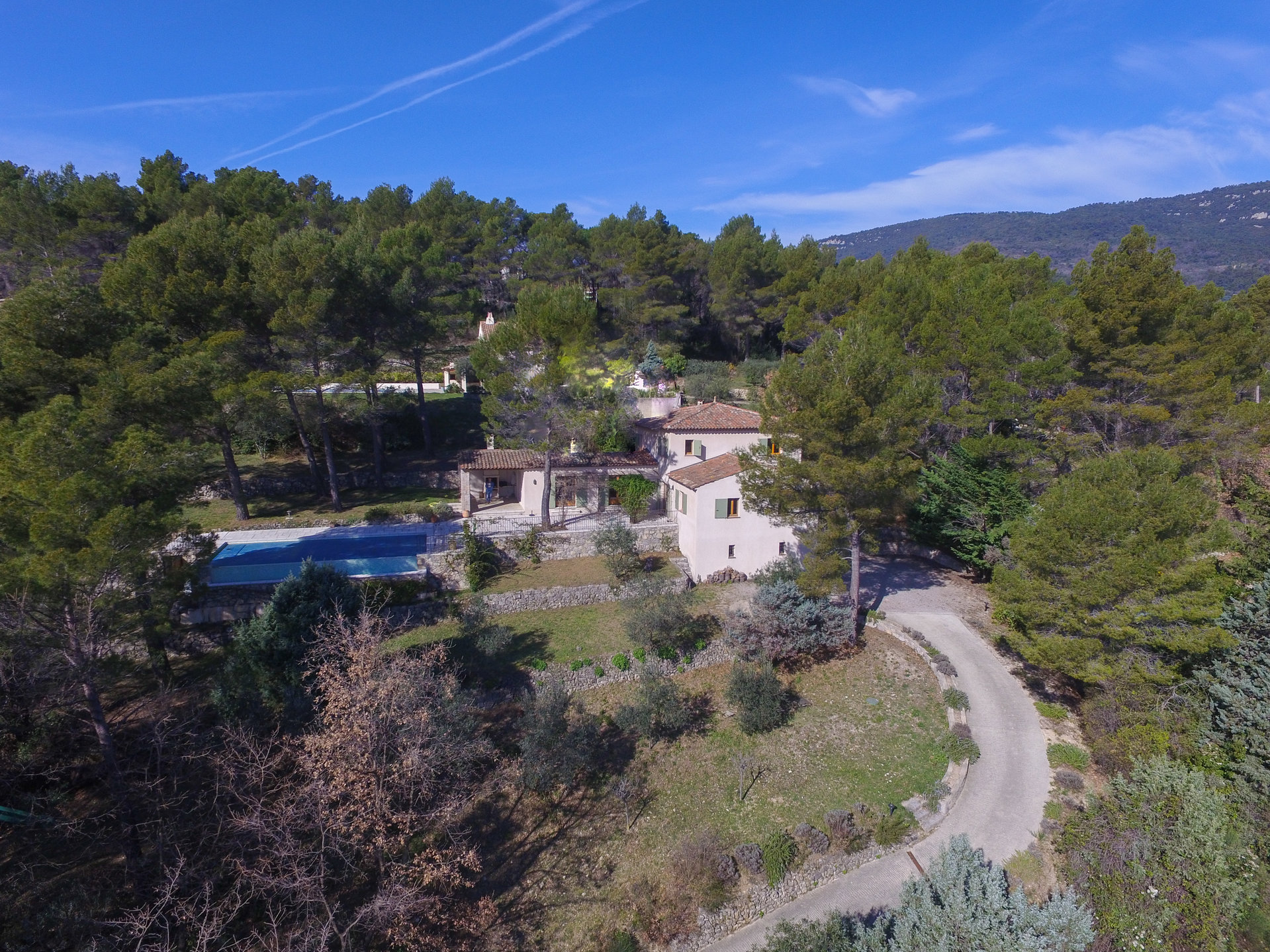 Seillans: beautiful property with view