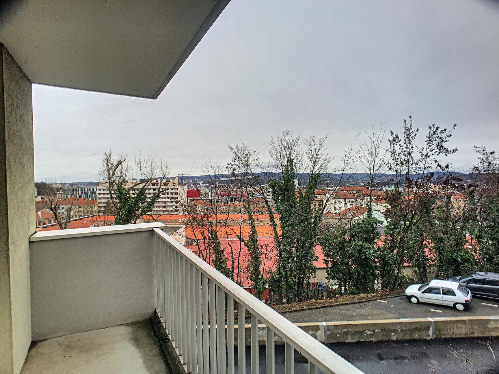 allée chantegrillet 42m² avec balcon